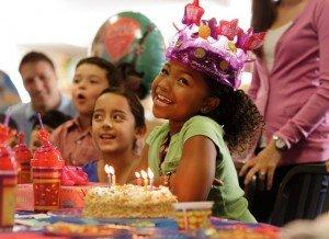 Girls celebrates birthday at chuck e cheeses