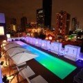The pool of the rooftop bar of Manrey Hotel in Panama